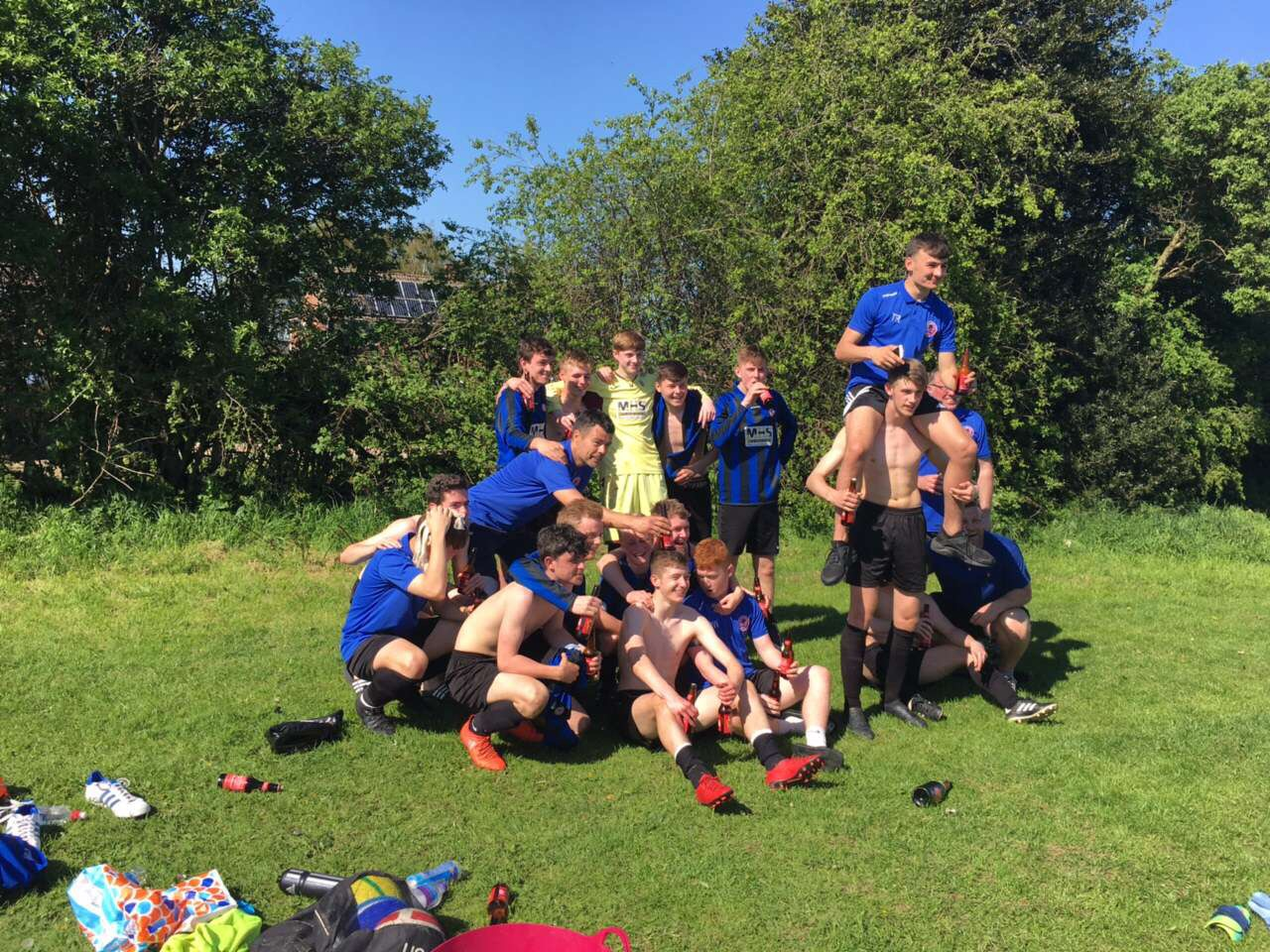 Shaw Lane U16's Win League